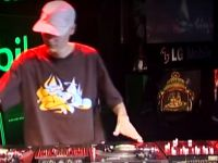 DJ Perplex v DJ COMA – 2006 DMC Battle For World Supremacy (Round 2 – Battle 1)