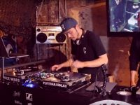 Battle 1: 2014 Wax Wars – DJ Morphingaz v DJ Heavy Hands